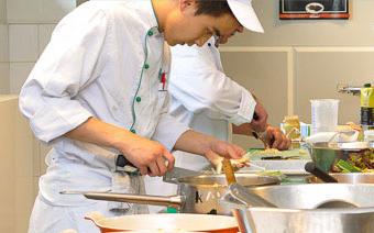 Foto Zubereitung von Fischstäbchen