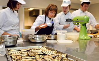 Foto Kochen mit Azubis – Zubereitung von Zucchinis